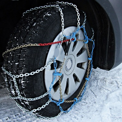 BE PREPARED WITH SNOW CHAINS