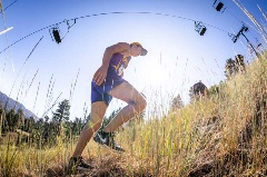 Ryan Hall Conquer the Wall, group of runner running uphill