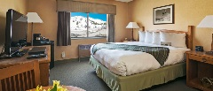 *Queen  Hotel Room & 2 Bedroom Condo - Bed